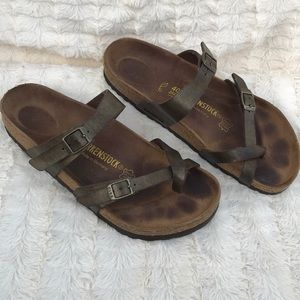 Birkenstock sandals color green military